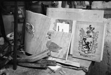 The Rosasco family crest with inlay