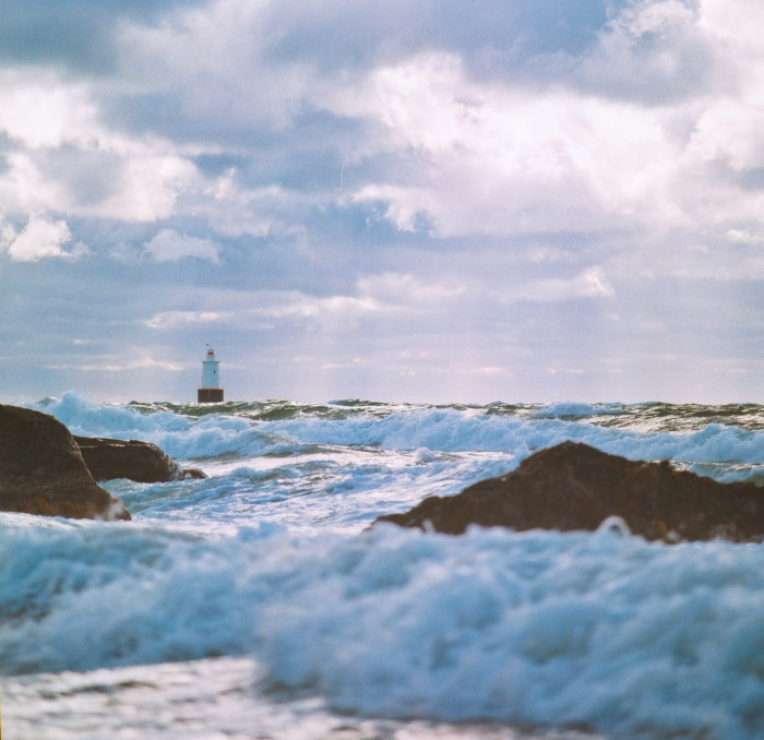 lighthouse-and-waves